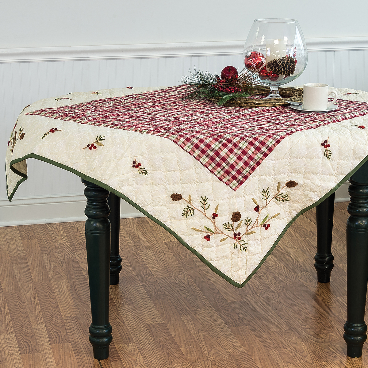 tabletop_holiday_tablecloths.jpg